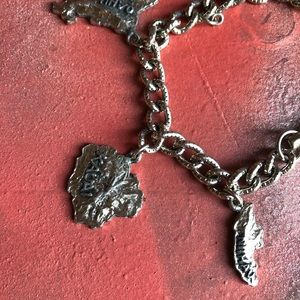 Jewelry - 🌺 Vintage Hawaii Hawaiian Islands charm bracelet
